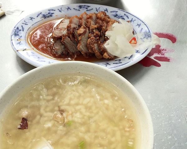 紅燒肉を樹の下で、葉家肉粥 台湾旅行2016.09⑭