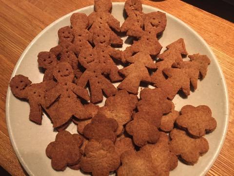 ジンジャークッキー作ってみましたが…