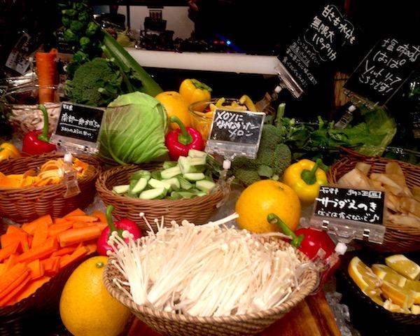 農家の台所で美味しい新鮮野菜の食べ放題!