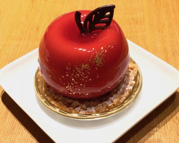 キラキラケーキ☆真っ赤なリンゴとモンブランローズ!